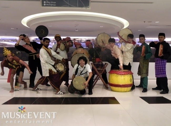 1 malaysia drum 12pax (Performance for Opening Gambit Anugerah karyawan at Bangsar Shopping Centre)